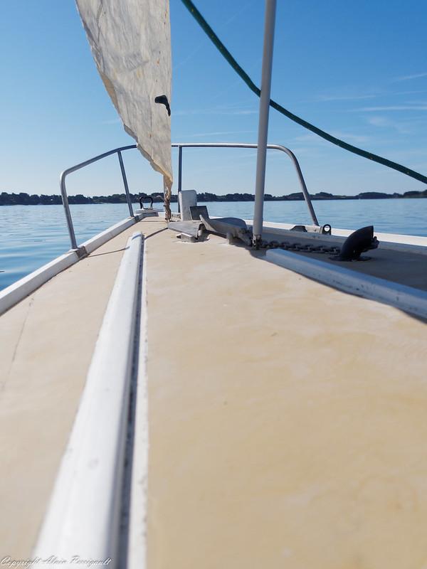 Bateaux sur l'eau 28551272031_c31cbff7ff_c