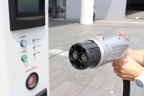 EV急速充電器 充電コネクタ