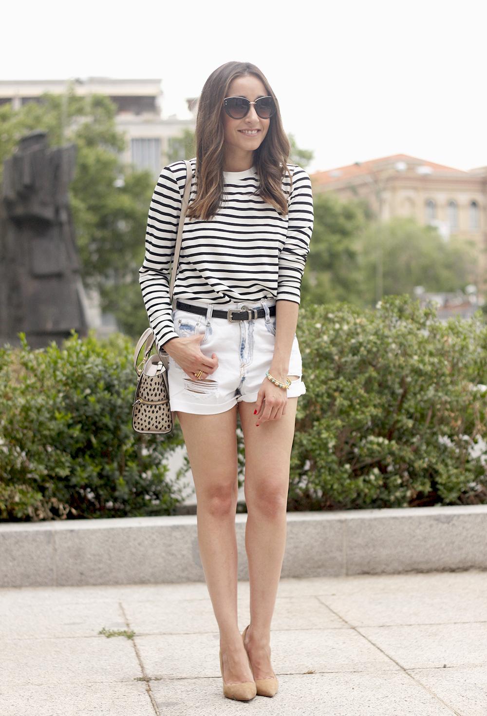 Stripes and denim shorts nude heels acosta bag sunnies belt summer outfit07