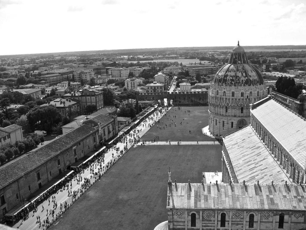 Pisan torni on vanhan Pisan kaupunkivaltion ehdottomasti kuuluisin saavutus.