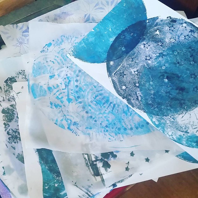 So it's true what they said, once you start you can't stop it's that much fun #gelliplate #gelliprint #monoprinting #printmaking #printed #handprinted #mixedmediaartist #mixedmediaart #art #craftyendeavors #makesomething