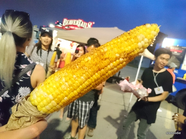 Roasted corn with chili powder