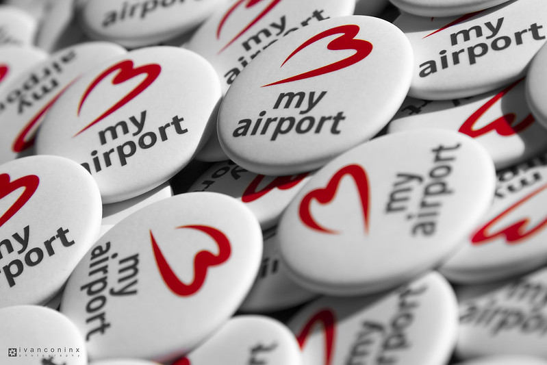Brussels Airport #Bmyairport Buttons & Stickers – 2016 06 17 – 03 – Copyright © 2016 Ivan Coninx