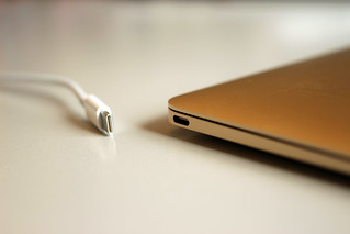 Apple MacBook's new USB-C (Type-C) port