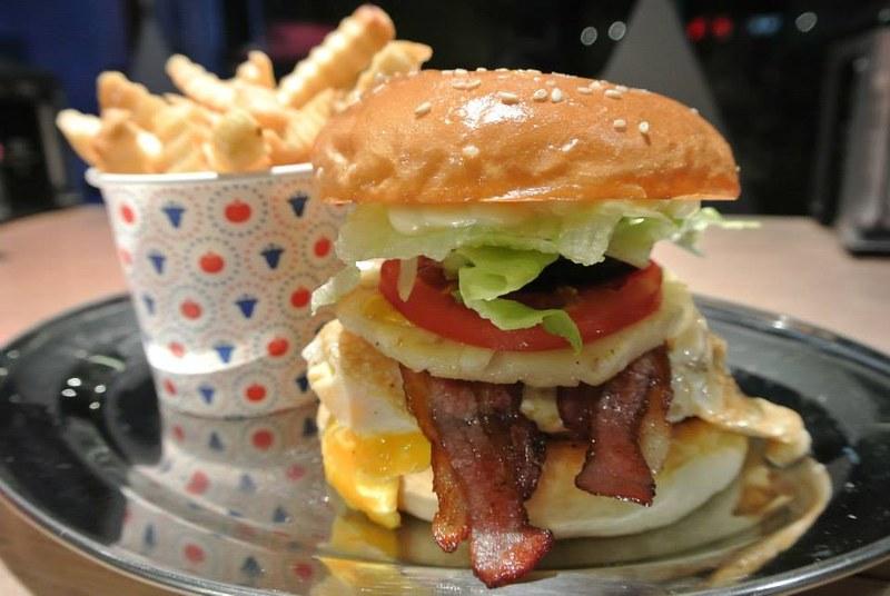 17470244751 fc5b85fd66 c Top 10 Melbourne Eateries That Serve Under AU$10