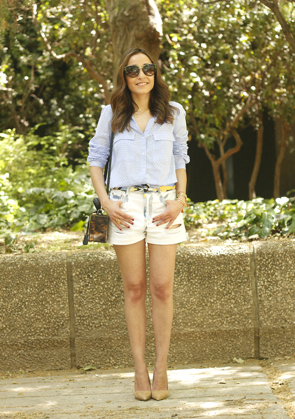 Denim Shorts Carey Bag uterqüe shirt with dots sunnies outfit style fashion16