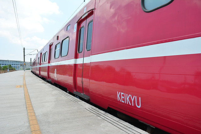 EMU701+702(京急色)