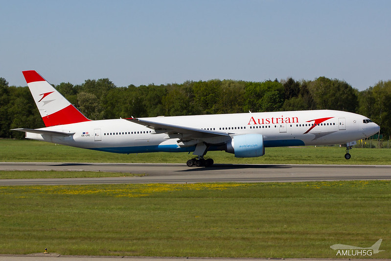 Austrian Airlines - B772 - OE-LPE (1)