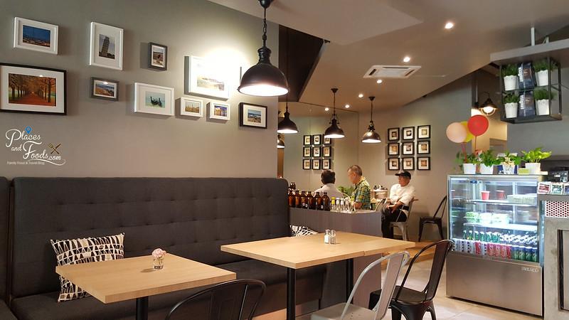 wayne cafe sri petaling interior