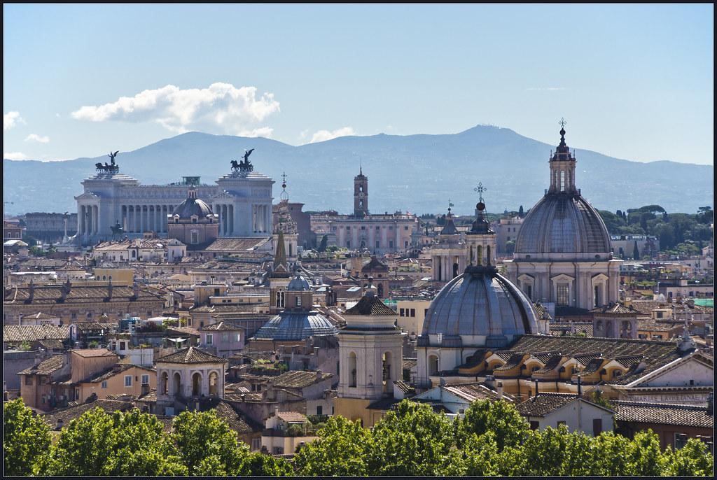 > Vue sur Rome depuis l'une des 7 collines de la ville. Photo de Bert Kaufmann.