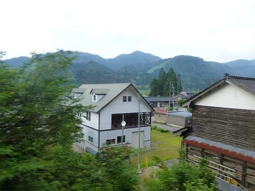 jp16-Tateyama-Toyama-cable car-train (1)