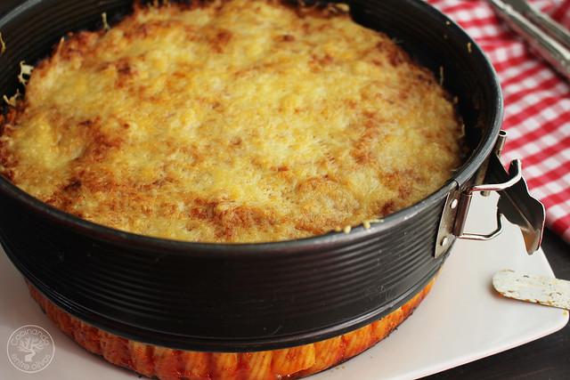Pastel de macarrones con atún y tomate www.cocinandoentreolivos.com (10)