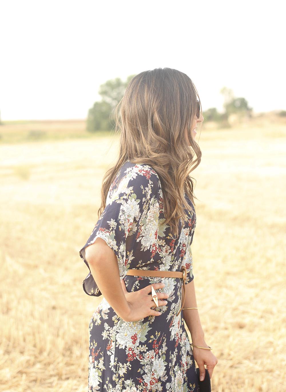 Maxi floral print dress uterqüe blue hat sunnies countryside summer outfit flat sandals massimo dutti21