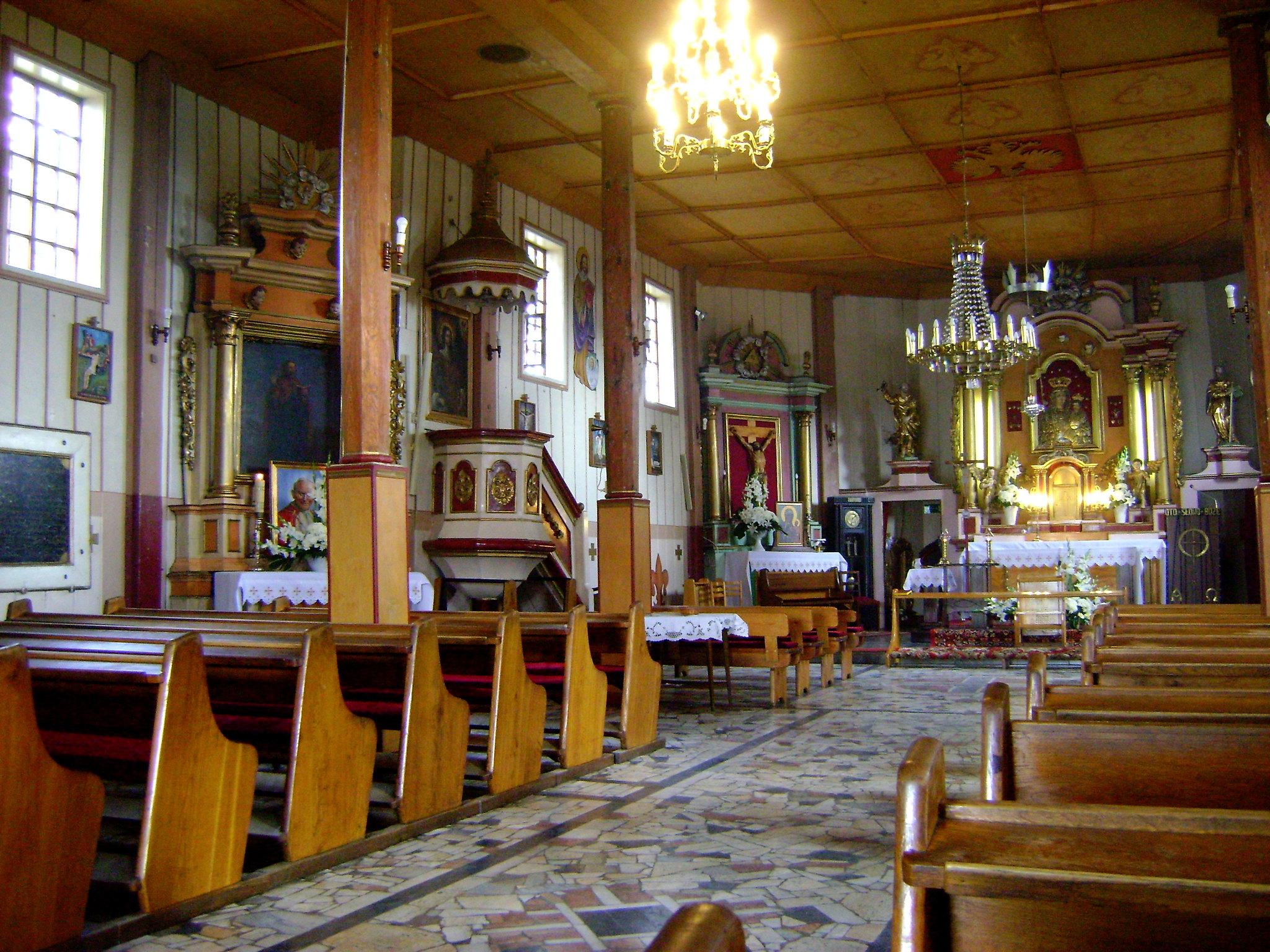 wnętrze kościoła w Giecznie