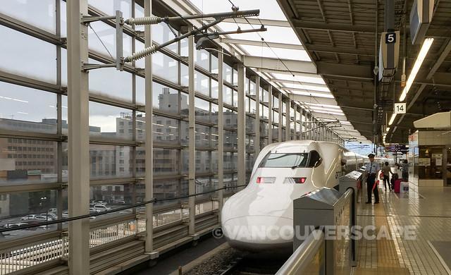 Shinkansen-1-2
