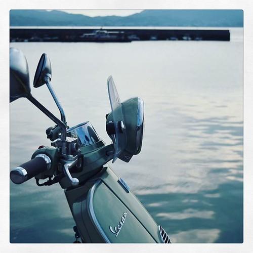 「ベスパと海」 #プチツーリング #海 #尾道 #しまなみ #瀬戸内 #湾 #vespa #lxv125 #ベスパ
