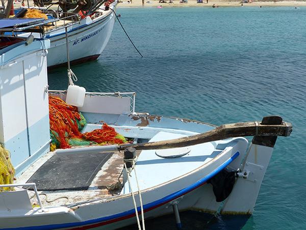 bateau de pêche à Agia Anna