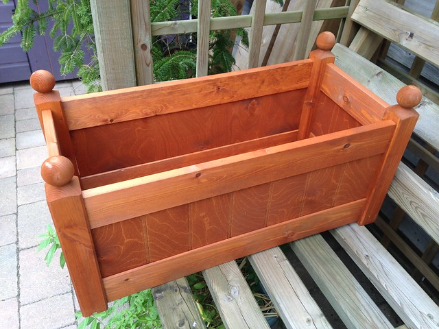 New wooden planter