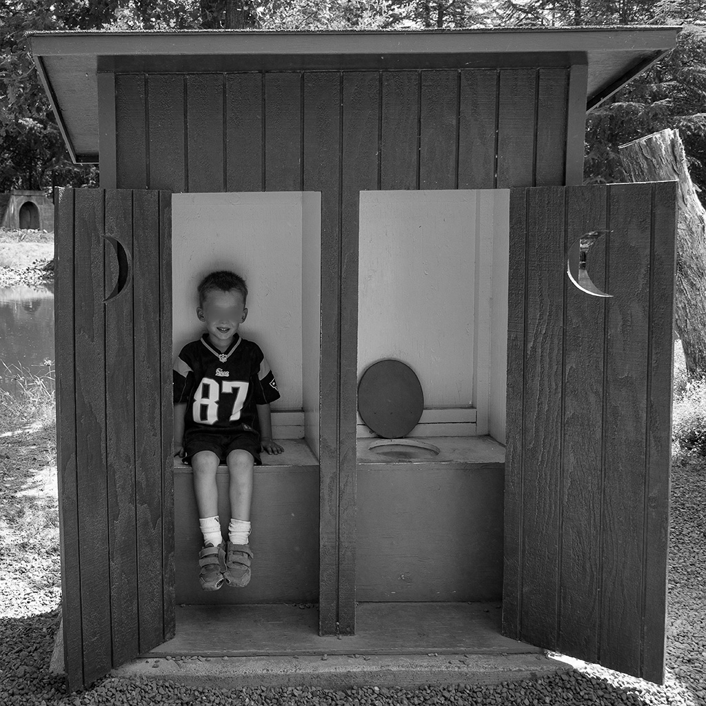 20160817_Outhouse_001