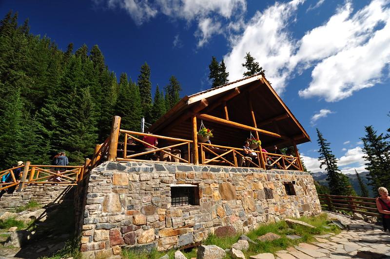 lake agnes tea house open - 800×531