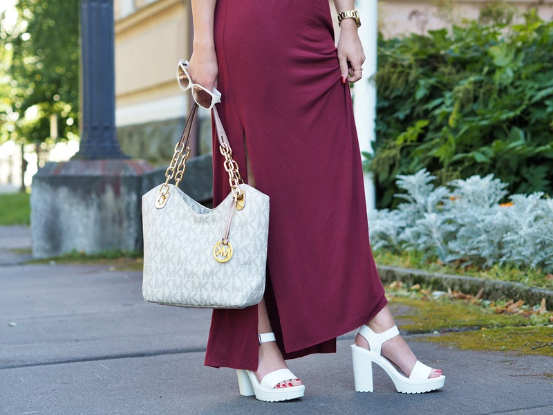 valkoiset sandaalit