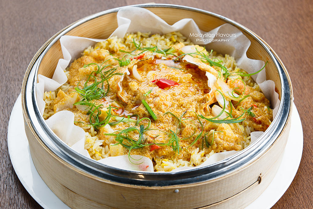 Ruyi & Lyn Bangsar crab curry fried rice