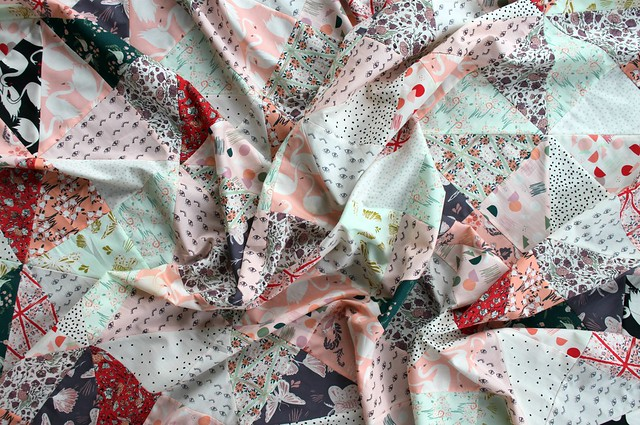 Hello, Ollie Hourglass Quilt