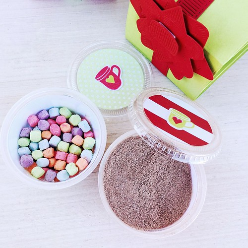 Snack Wrap Dies and 2 Oz. Cups perfect for gifting hot cocoa and marshmallows
