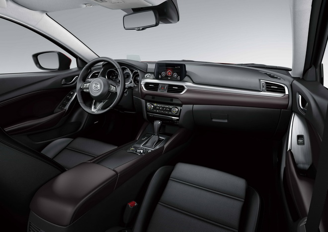全新17年式MAZDA6導入多項靜音升級工程以隔絕高速行駛的風切聲與路面噪音