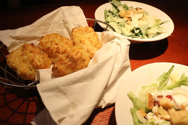 Red-lobster-bread-salad-4