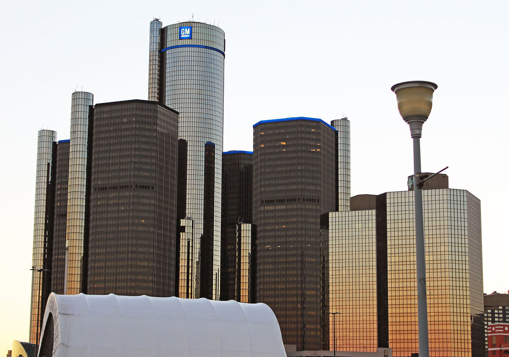 Wading in Big Shoes - Feet On The Street Tours: 7 Things I Learned About Detroit's Riverfront