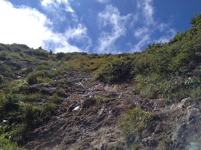 冠山 頂上直下の岩場