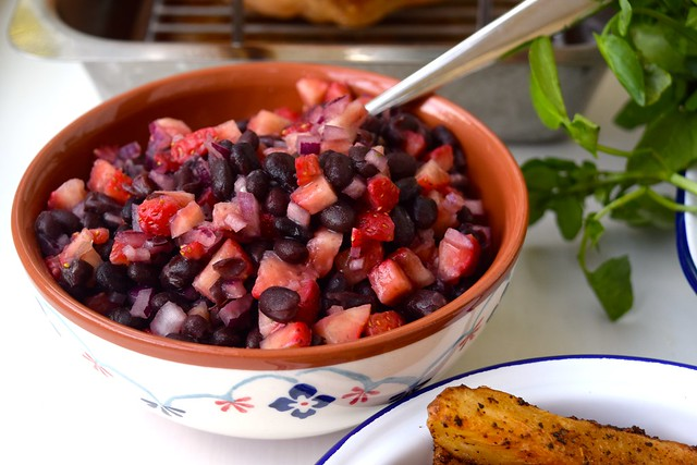 Black Bean & Strawberry Salsa | www.rachelphipps.com @rachelphipps