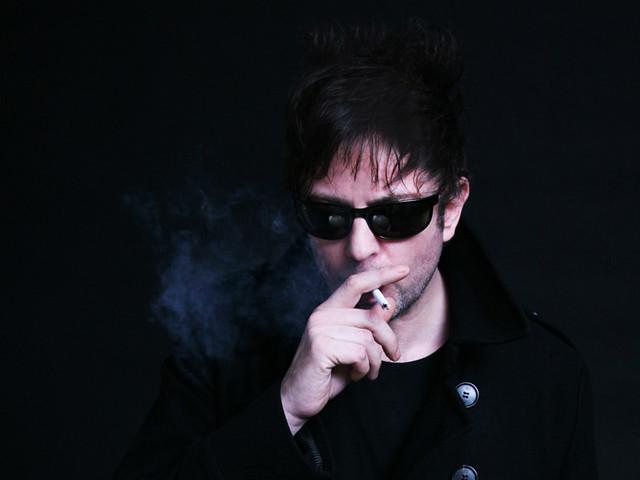 ian-smoking