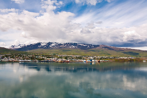 driving_the_ring_road_in_iceland_north_iceland_akureyri