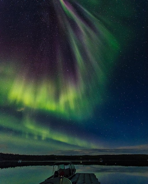 As a photographer that loves to shoot sunrises, my trip to Yellowknife was one where I had to forego shooting them. I managed to catch one or two sunrises but for most days, I was fast asleep during that time, having been awake until 3 or 4 the night befo