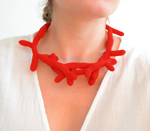 Red coral - Crochet necklace
