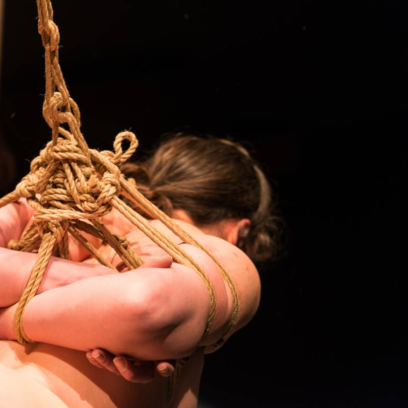 Shibari performance by Pedro and Gestalta. View of a gote during suspension