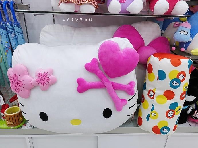 19 香港機場 迪士尼奇妙店 買達菲熊免進迪士尼樂園