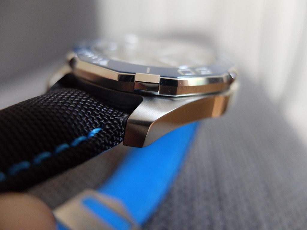 Mini revue de la Tag Heuer Aquaracer Calibre 5 céramique 41mm 29110460463_99ab6646d7_b