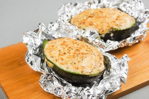 food - アボカドのホイル焼き