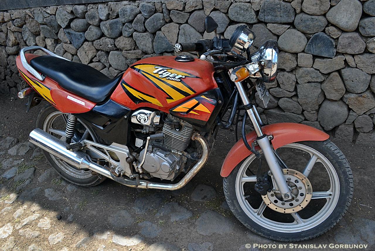 mopedi02