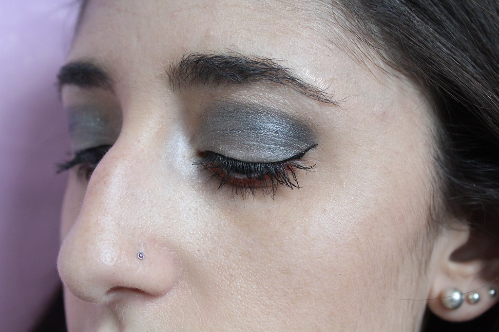 Smokey eye makeup for Halloween