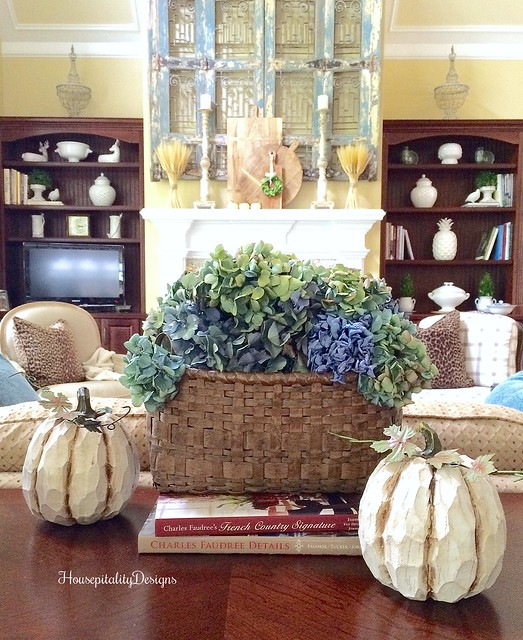Great Room - Fall Decor - Hydrangeas - Housepitality Designs
