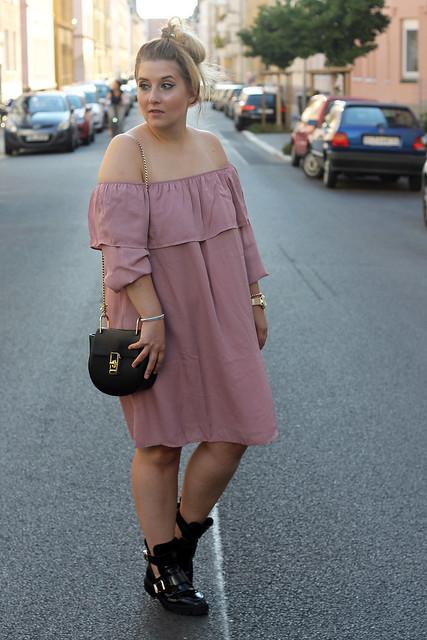 fashionpassionlove-gewinnspielwoche-outfit-look-style-offshoulder-kleid-balenciaga-lookalike-boots7