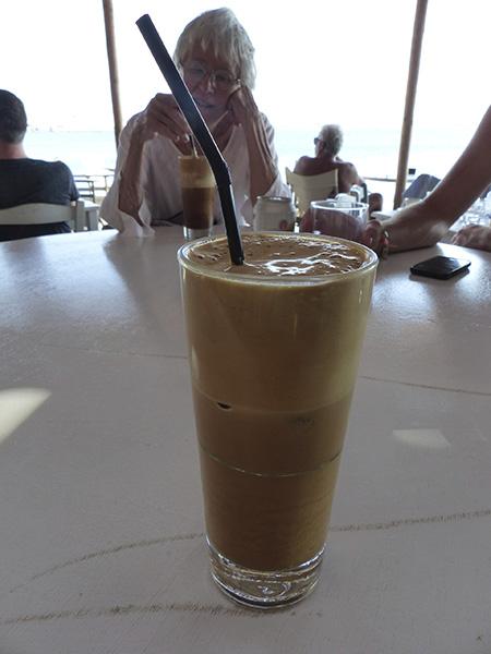 café frappé sous la portara