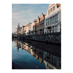 BOAT • Last day in Ghent before crossing the ocean to visit another city by the water. #ghent #visitgent #gentstagram #ghentbyboat #reflection #medieval #architecture #wanderlust #stayandwander #anotherescape #roamtheplanet #neverstopexploring #exploringt