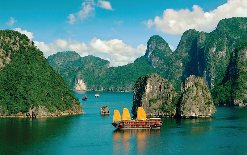 Amawaterways Vietnam Ha Long Bay