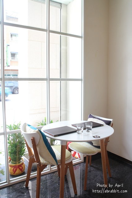29435947703 2d81c0e63a z - 【熱血採訪】[台中]朵喵喵咖啡館--愛貓人士請進,這裡是貓咪中途之家、台中貓餐廳、貓咖啡廳@東區 自由路(已歇業)