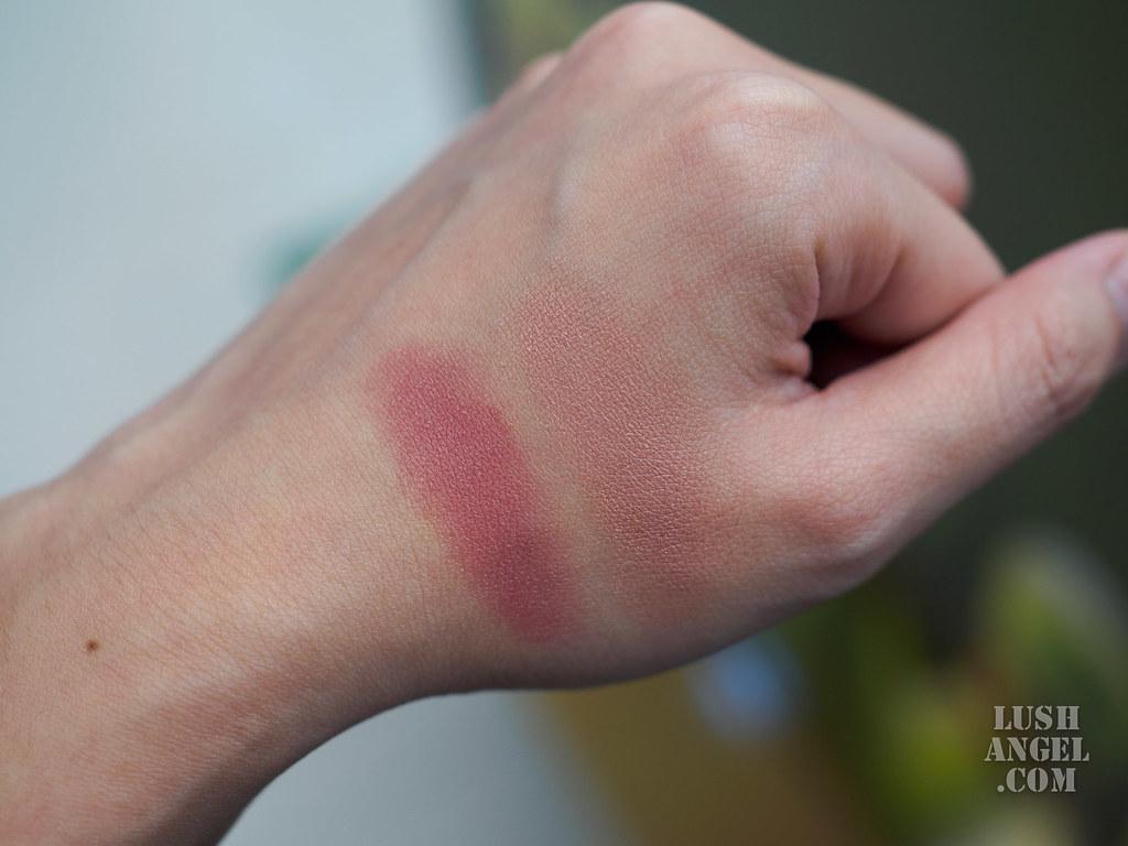 mac-its-a-strike-cream-blush-swatch